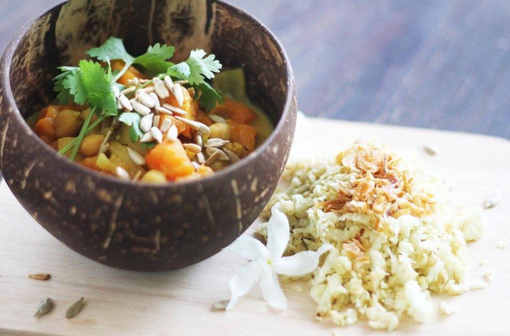 Cauliflower rice with vegetarian curry